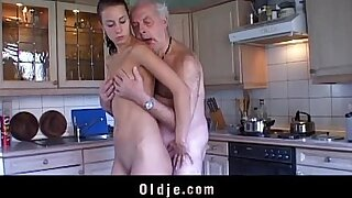 6:50: Curvy brunette ts receives blowjob and licked