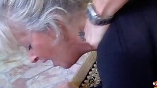 Horny Milf for a deep blowjob by - 17:00