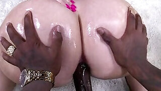 White with Booty at xxx sexy porn