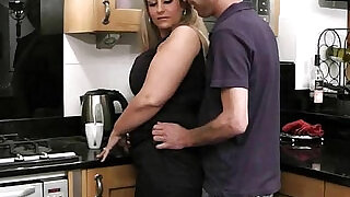 6:00: He nails hot blonde fatty in kitchen