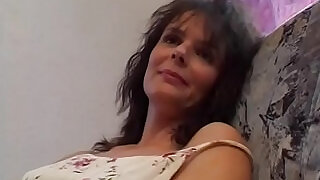 12:00: Horny Cougar Gives A Masturbation Show In Private