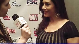 4:00: Huge natural big Boobs MILF Raylene Interviewed in the AVN Awards