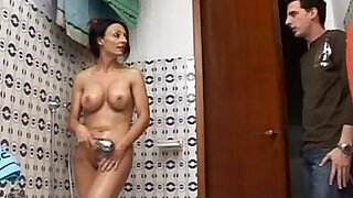29:00: Hot mom spied on the shower gives a great blow job