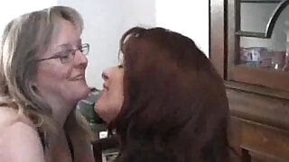 6:00: BBW lesbian double fisted in her huge pussy