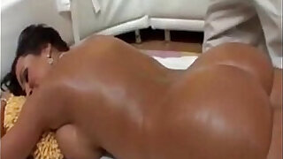 28:00: Busty blonde MILF Gets Horny While Being Massaged