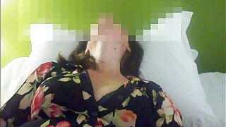 4:00: Masturbating her pussy and ass with a vibrador