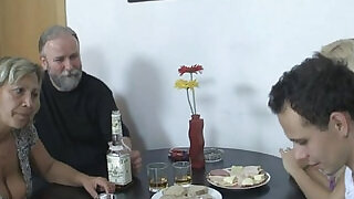 Blonde webcam girl involved into 3some with his olds - 6:00