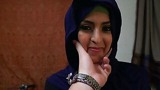Arab babe throathed and fucked balls deep - 6:00