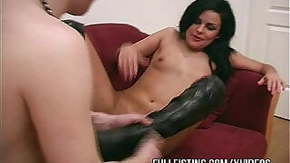 Sexy Girlfriend In Leather Boots Deep Fisted - 12:00