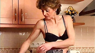 24:00: Women are hornier as they get older