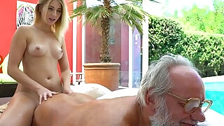 6:00: Aria Logan and her much older friend to Fuck Teens