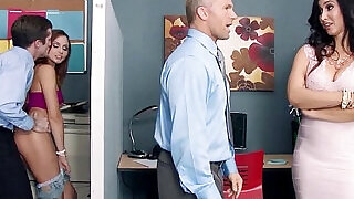 8:00: Stepmom Catches Her Stepdaughter Fucking a Co Worker Ariana Marie Isis Love